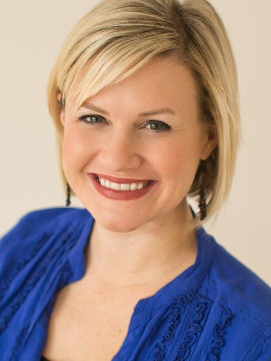 Jen Lucy Headshot 1.jpg