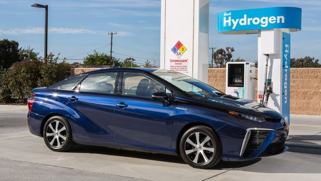 Toyota's $58,500 MIrai hydrogenfuel-cell car is plenty luxurious, but, oh, those looks!