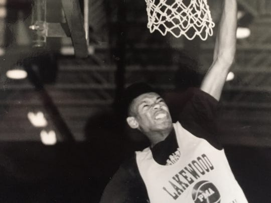 Lakewood's Randy Holmes during practice at Lakewood High School on Dec. 7, 1990.