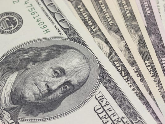 -FIN Benjamin bills closeup Thinkstock.jpg_20150724.jpg