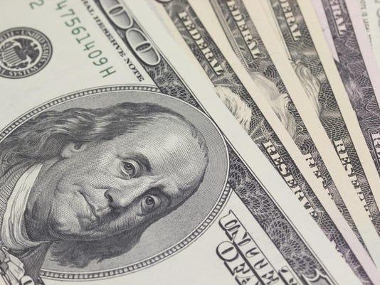 -FIN Benjamin bills closeup Thinkstock.jpg_20150724.jpg