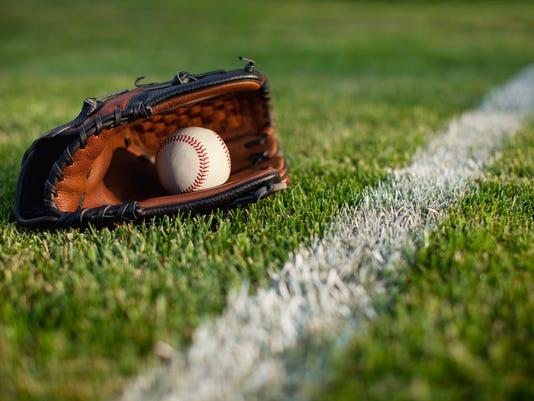 baseball glove istock.jpg