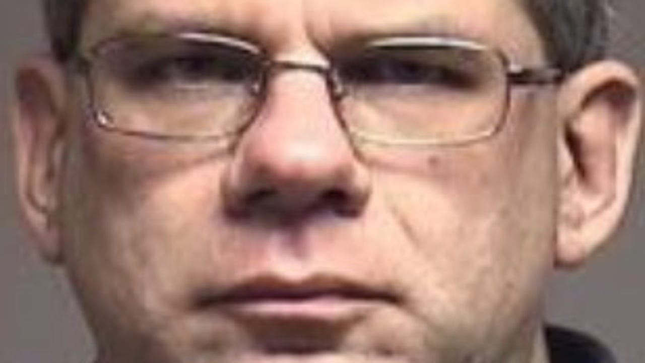 Child porn convict gets 5 years in federal prison