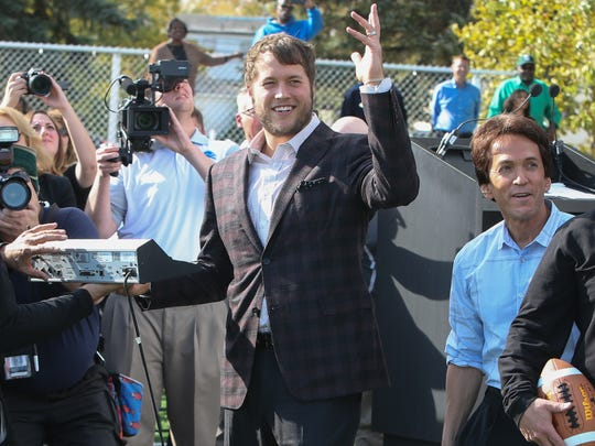 Detroit Lions quarterback Matthew Stafford turns on