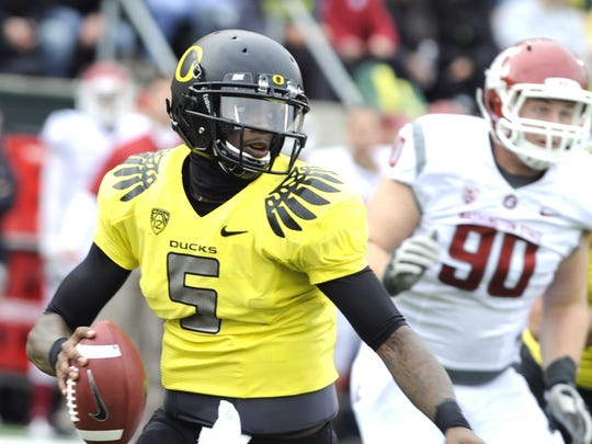 Oregon quarterback Darron Thomas.