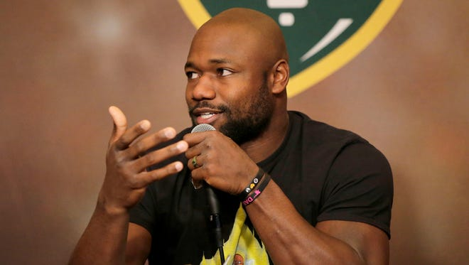 Green Bay Packers running back Ty Montgomery co-hosted Monday's Clubhouse Live. The show was held at The Clubhouse Sports Pub & Grill in downtown Appleton. Fellow running back Aaron Jones was Montgomery's guest.