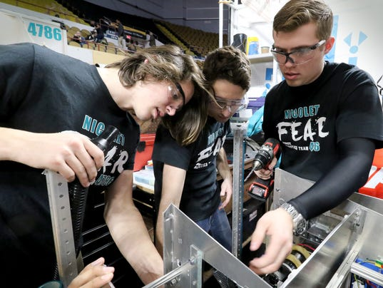 NS Nicolet FEAR at FIRST Robotics Regional