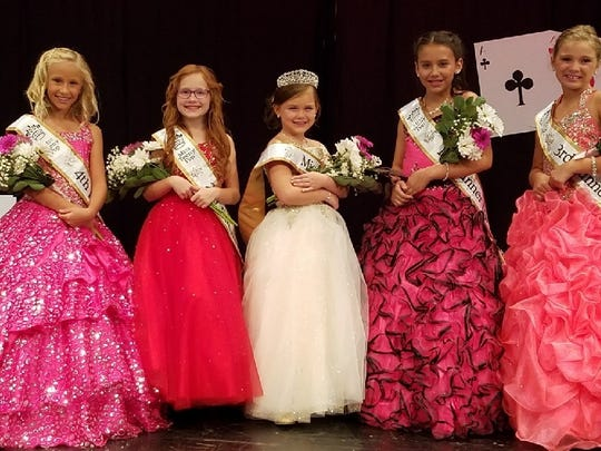 From left, Fourth Runner-up Braelyn Miller, Second Runner-up Scarlett Roston, Miss Teeny Pop 2017 Paytn Smith, First Runner-up Alivia Guadarrama, and Third Runner-up Ava Roseberry.