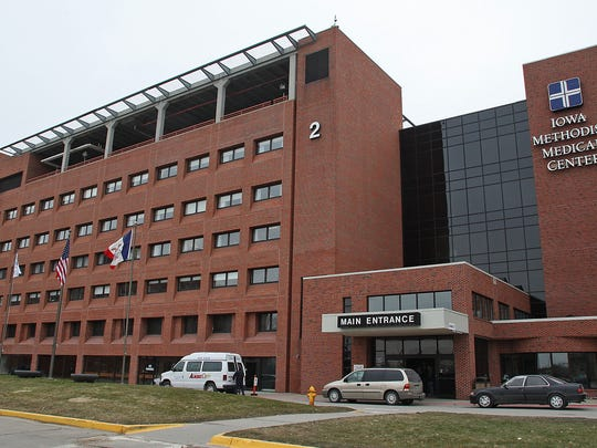 Photo by BILL NEIBERGALL/DES MOINES REGISTER   DES MOINES, MARCH 16TH - m0321hospital -  Iowa Methodist Hospital, 1200 Pleasant Street, shot on Tuesday afternoon, March 16th.  (shot: 03/16/10)  Photo by BILL NEIBERGALL