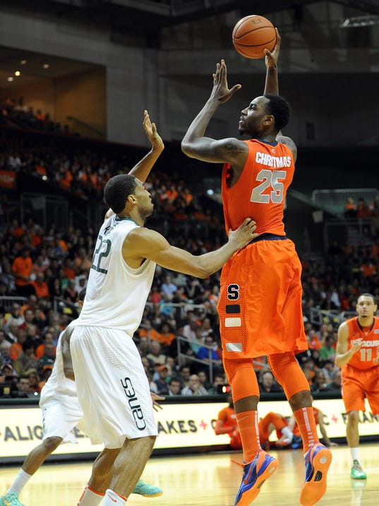 No. 2 Syracuse holds off Miami to stay unbeaten