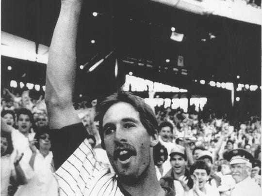 Dale Sveum tips his cap to the crowd at Milwaukee County Stadium following his game winning home run to give the Brewers a 6-4 victory over Texas and a 12th straight victory April 19, 1987.