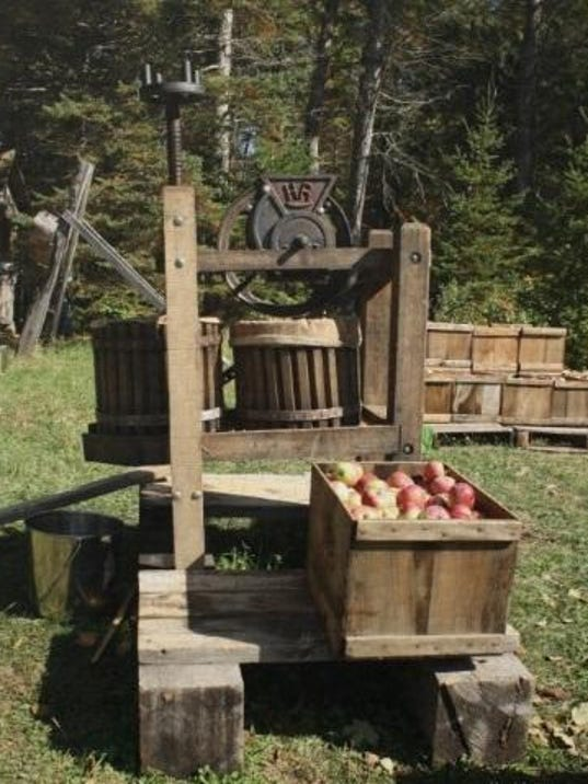 dcn 1011 dchs antique apple press