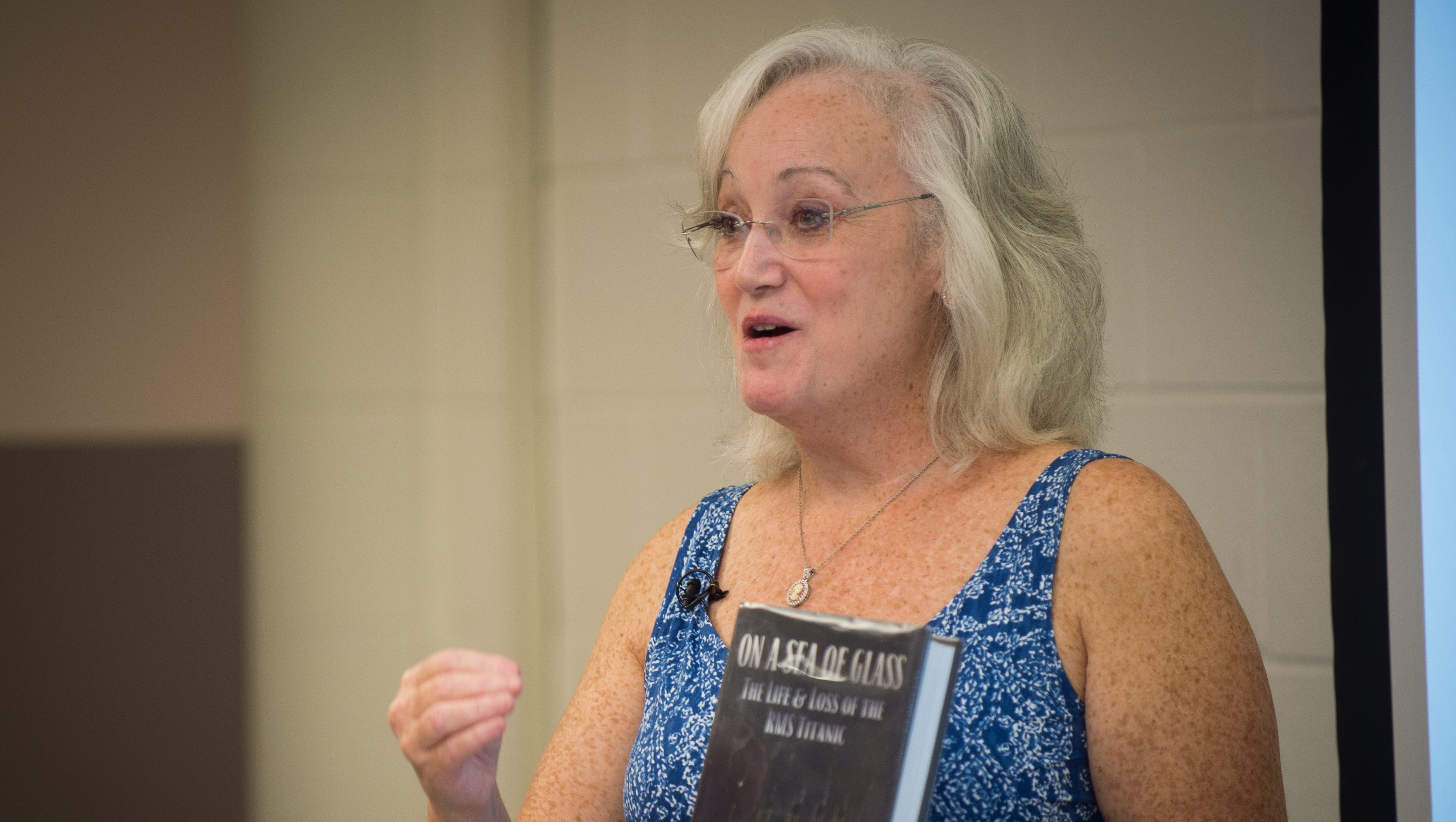 Descendant Of Titanic Survivors Teaches Class At University Of Tennessee On Ship Disaster