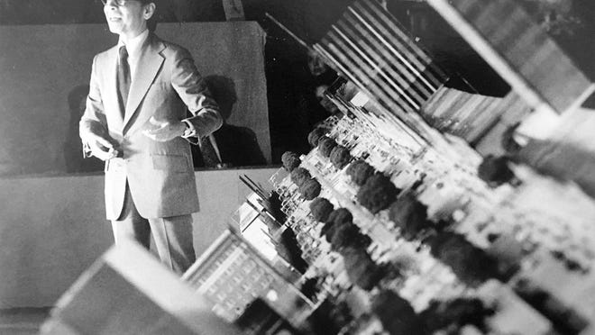 Famed international architect I.M. Pei shows models of his vision for Augusta.