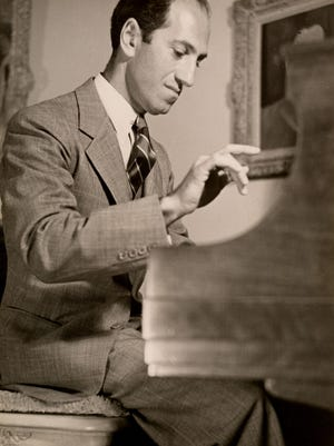 George Gershwin, Beverly Hills, 1937.