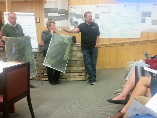 maps showed diffeent layouts Moon Mountain