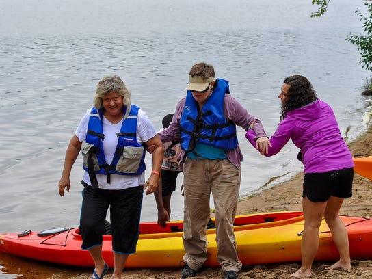 SPJ 0821 Adaptive kayak01.jpg