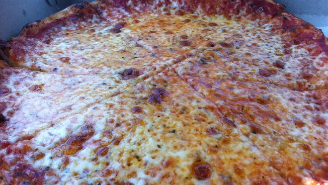 Birdie's Pizza, open in Fort Myers since 1978, has closed