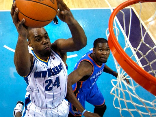 New Orleans Hornets power forward Carl Landry (24)