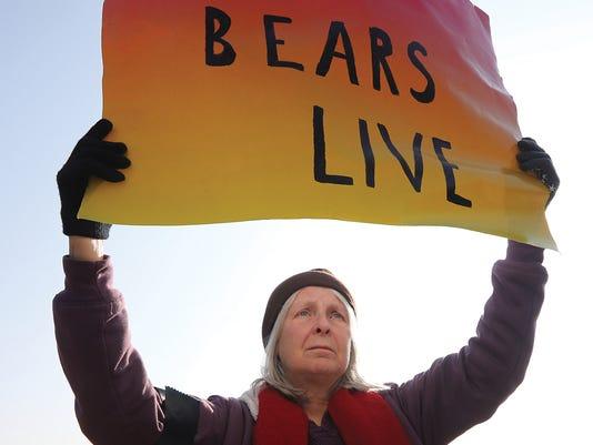 003-Bear Hunt Sign