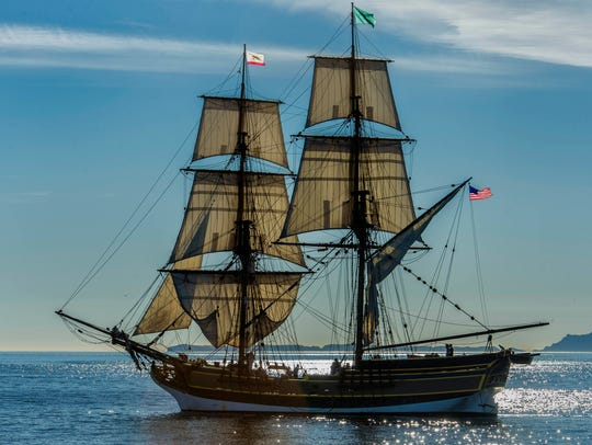 Lady Washington photographed by Rick Horn.