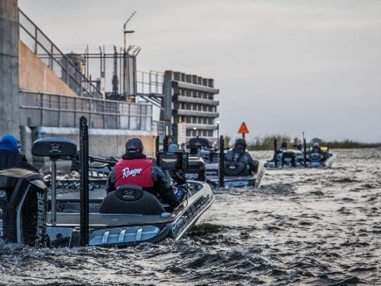 FLW Tour anglers head into Lake Okeechobee through the lock at Clewiston Jan. 25.