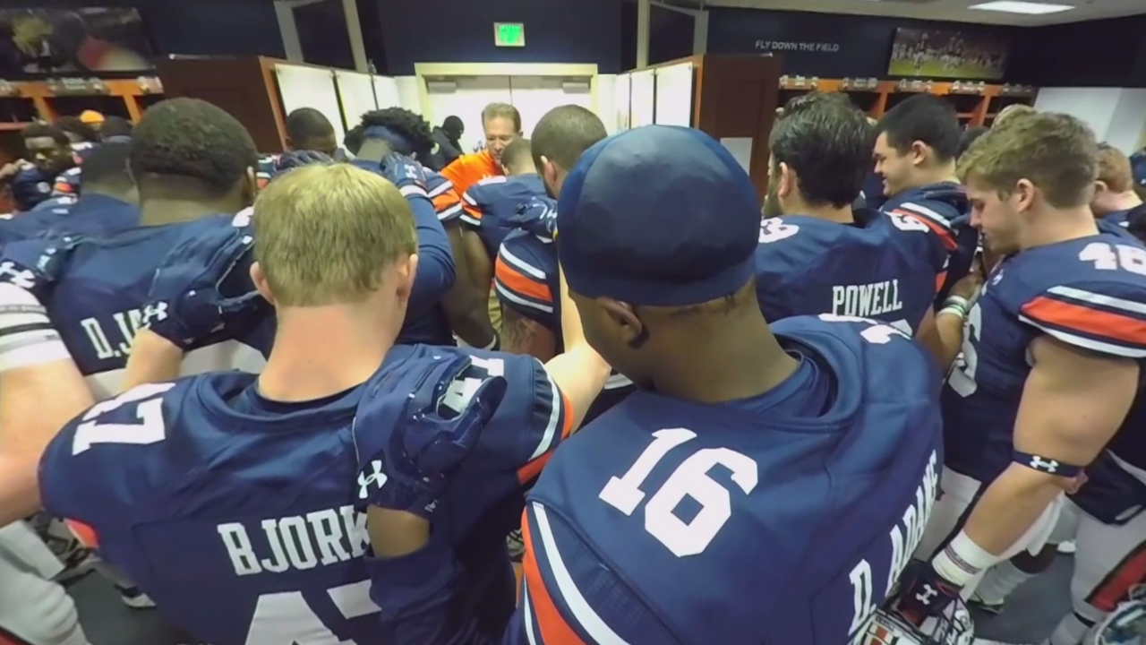 Experience game day in VR with Auburn Tigers