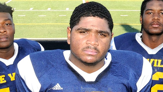 Detroit East English center Tyrone Sampson is ranked No. 4 on The News' Blue Chip list.