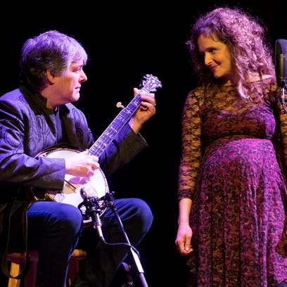 Béla Fleck and Abigail Washburn perform together at