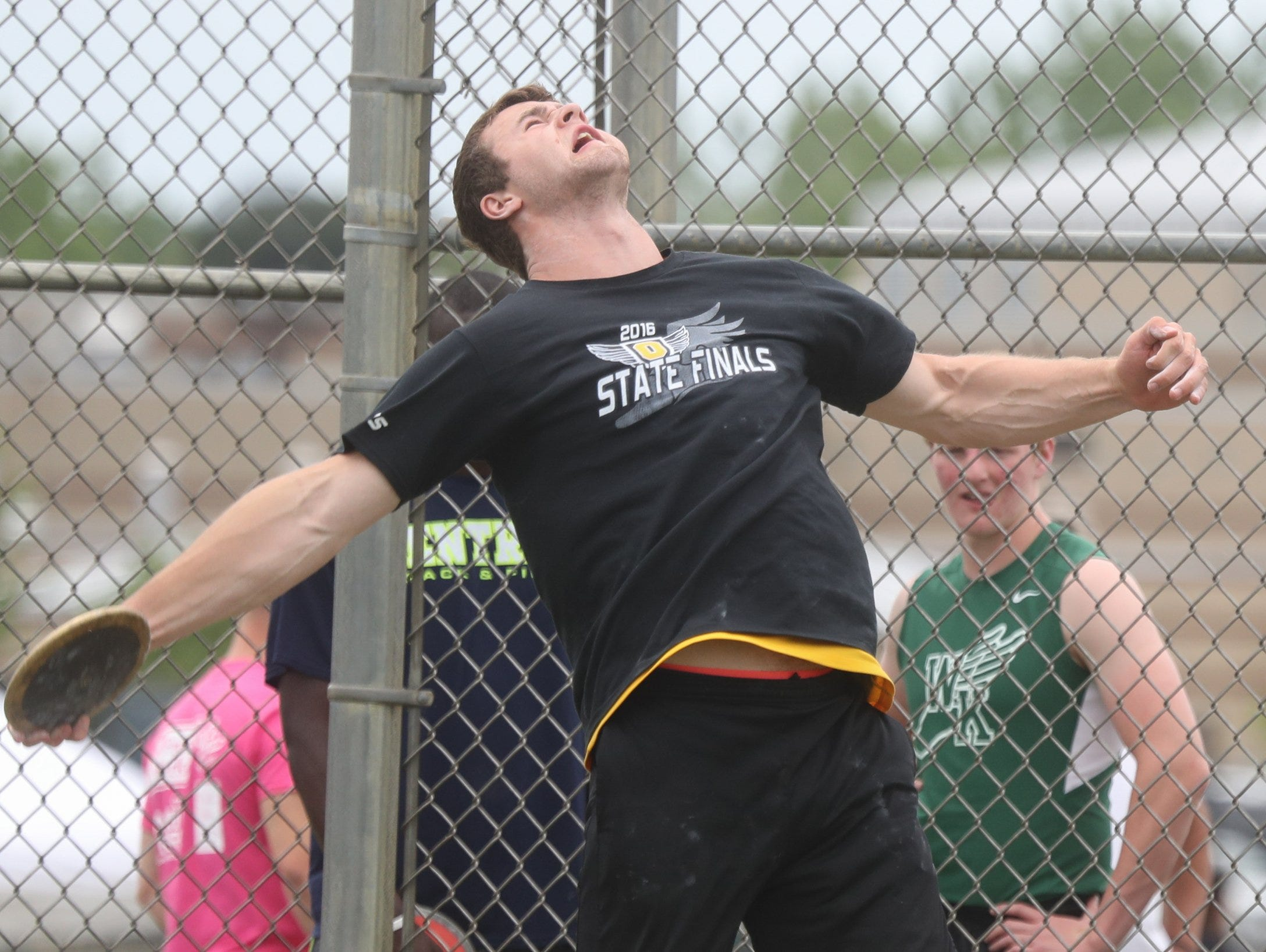 Connor Bandel from Oxford high school throws the discus during earily rounds at the MHSAA Divison One State Track and Field championships on Saturday, June 4, 2016 at Hudsonville Eagles Stadium in Hudsonville MI. Kirthmon F. Dozier/Detroit Free Press