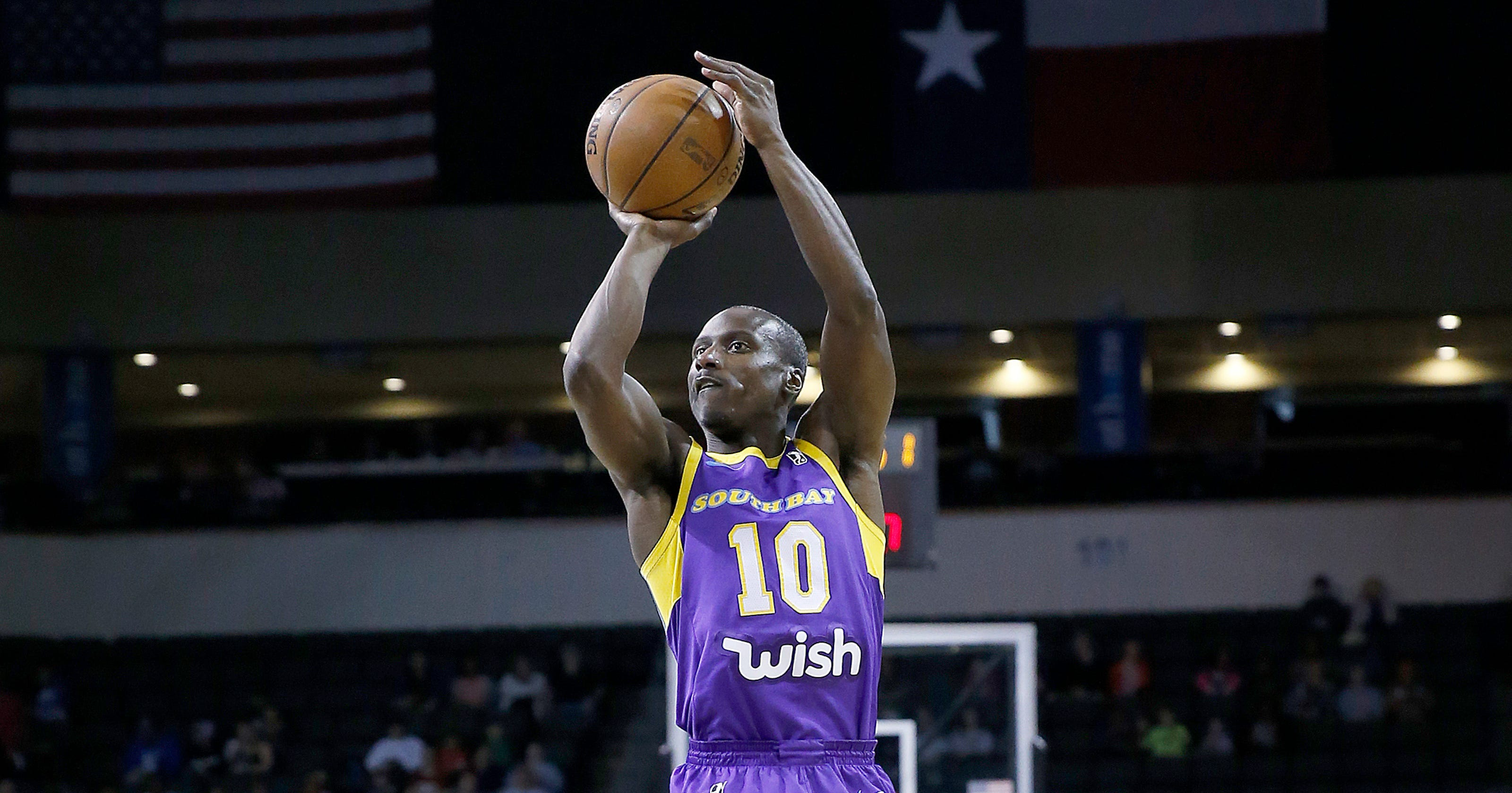 e0edfd4e9 Lakers surprise G League veteran Andre Ingram with emotional call-up in  viral video