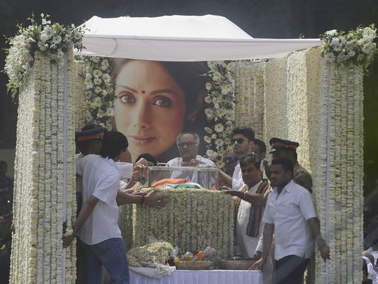 AP INDIA ACTRESS DEATH I ENT IND