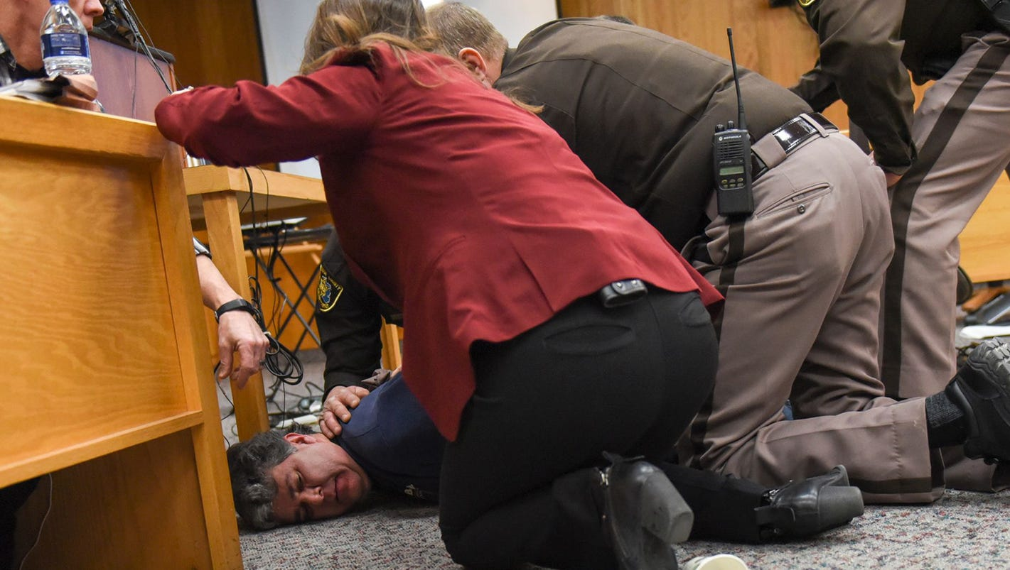 Social media reacts to father who rushed Larry Nassar