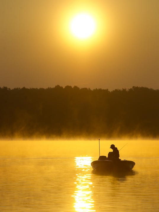 College bass tournament starts on lake dubay for Wisconsin fishing tournaments