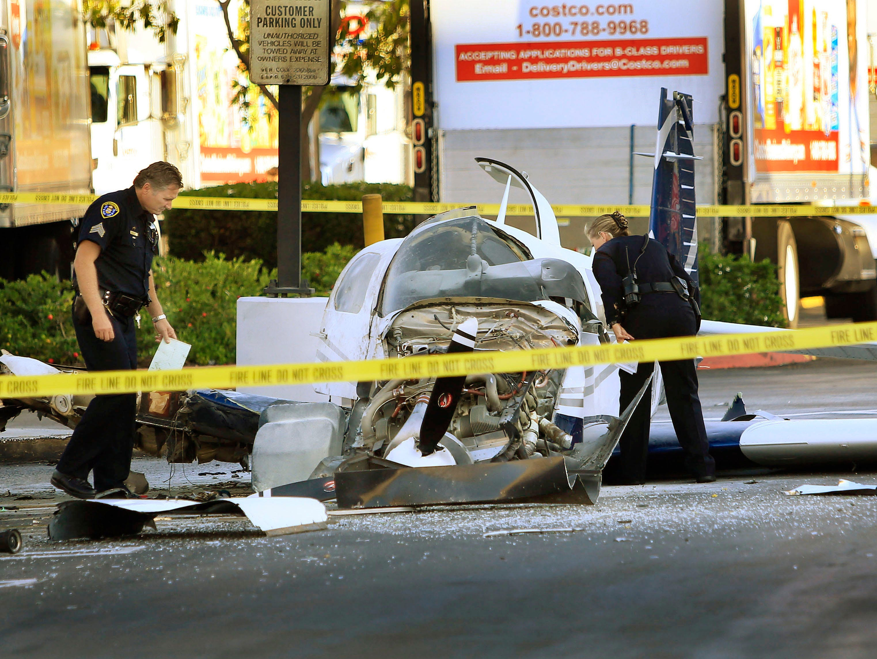 one killed as plane strikes san diego shopping center