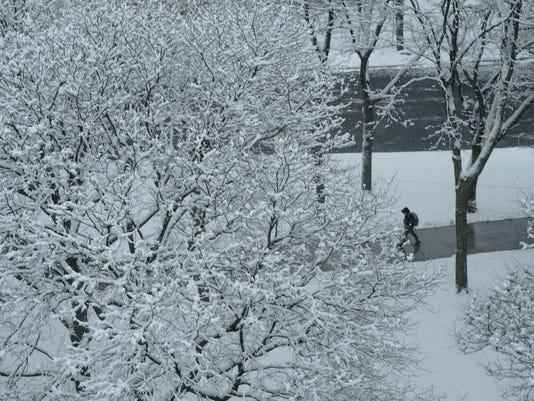 636560929694888041-2018-0308-Burlingotn-Snow-2.jpg