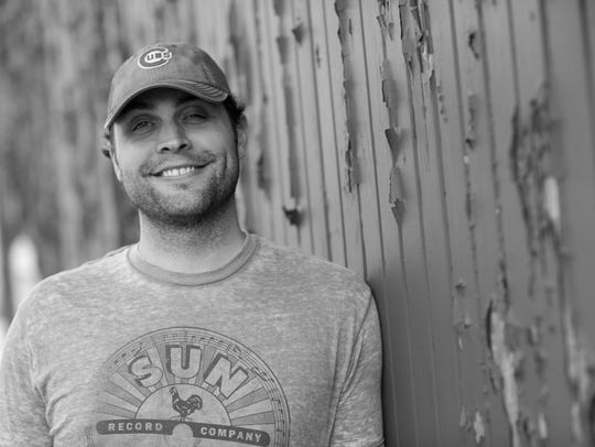 Brett Wiscons is a country artist based in Indiana.