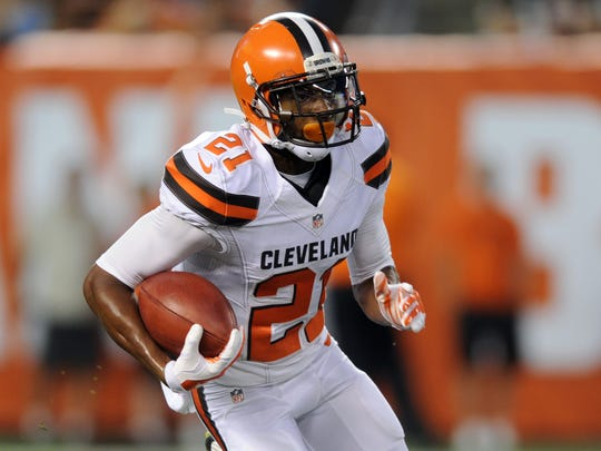 Cleveland Browns cornerback Justin Gilbert (21) runs