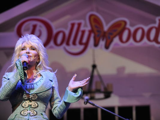 DollyatDollywood.jpg
