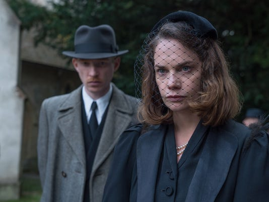 "63670Domhnall Gleeson and Ruth Wilson star in ""The Little Stranger."""