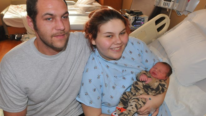 Lincoln Alexander Holcomb was born at 6:26 p.m. Sunday to Brian Holcomb and Sheyenne Larsh. He was the first Reid Health birth of 2016.