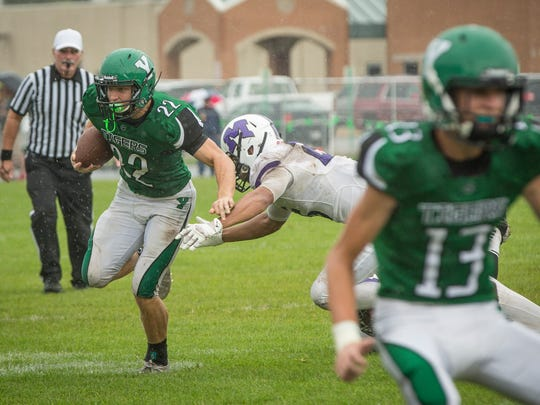 Central and Yorktown went head-to-head Saturday afternoon during a postponed game from Friday evening. Central won the game 28-21.