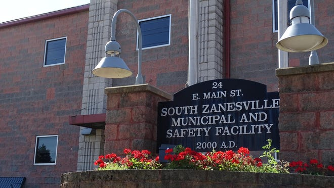 The fire chief, assistant chief, captain and four others resigned this week from the South Zanesville Fire Volunteer Department. Mayor Jim Perdue said Chief Norm Mansfield resigned after persisting issues with truck maintenance.