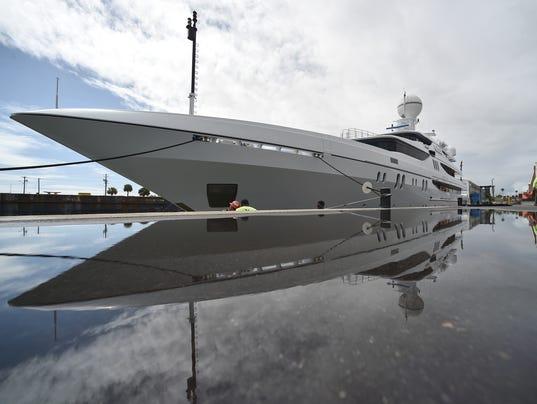 Mega yacht in Fort Pierce