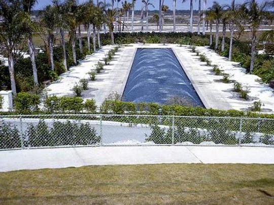 Reflecting pool at Cape Coral Gardens.