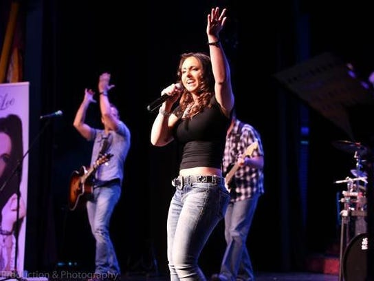 """Country singer JessLee, of Stuart, will perform Monday night on """"The Voice."""""""