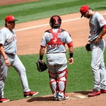 Reed lasts one inning as Reds fall to Brewers