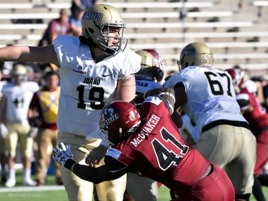 Aggie linebacker Leon McQuaker and the NMSU defense