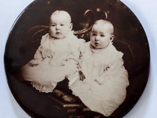 mothers-day-triplett-twins-3.jpg