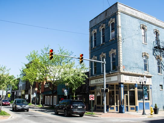 Storefronts in the 900 block of East Main Street, specifically